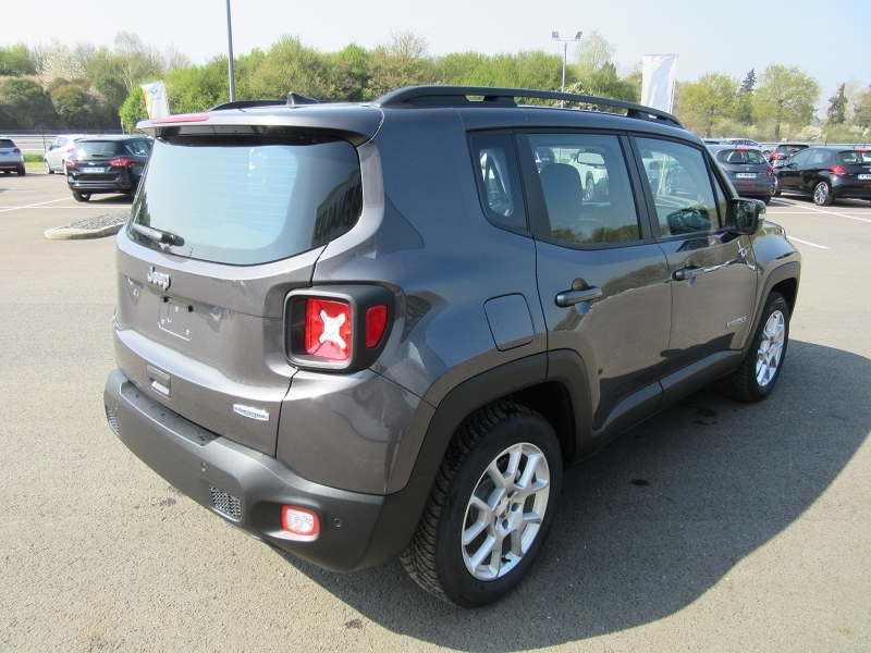 Photo 6 de l'offre de JEEP RENEGADE 1.0 GSE T3 120CH LONGITUDE BUSINESS -24% à 19980€ chez MGA Bruz